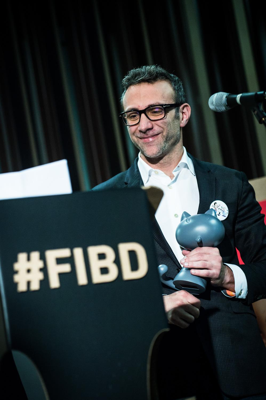 Cérémonie d'ouverture du FIBD 2019, l'Alpha. Stéphane Beaujean lors de la remise du Grand Prix 2019 à RUMIKO TAKAHASHI.