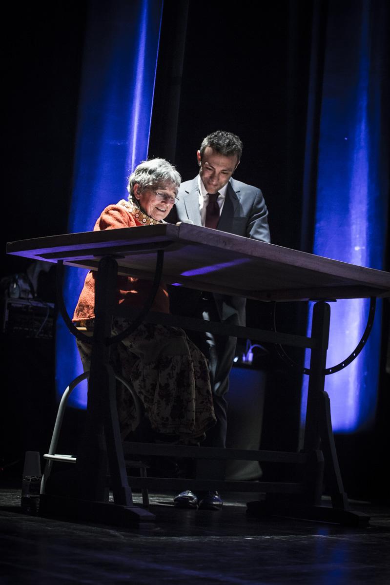 Cérémonie de remise des Prix Découvertes. Performance dessinée de Bernadette Després.