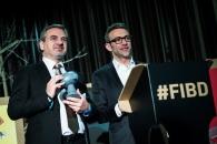 Cérémonie d'ouverture du FIBD 2019, l'Alpha. Stéphane Beaujean remet le Grand Prix 2019 à l'éditeur de RUMIKO TAKAHASHI.